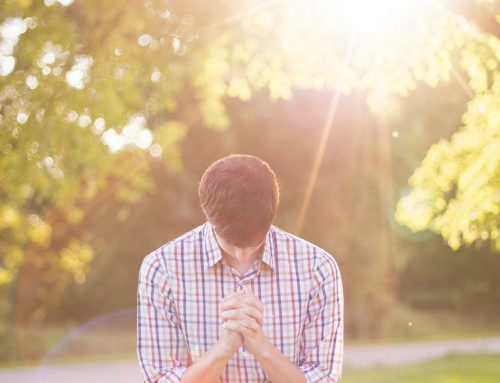Człowiek bez modlitwy uwielbienia nie żyje – wywiad z ks. Janem Reczek